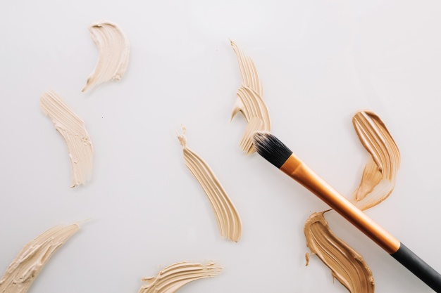 strokes-of-concealers-and-brush_23-2147710634.jpg